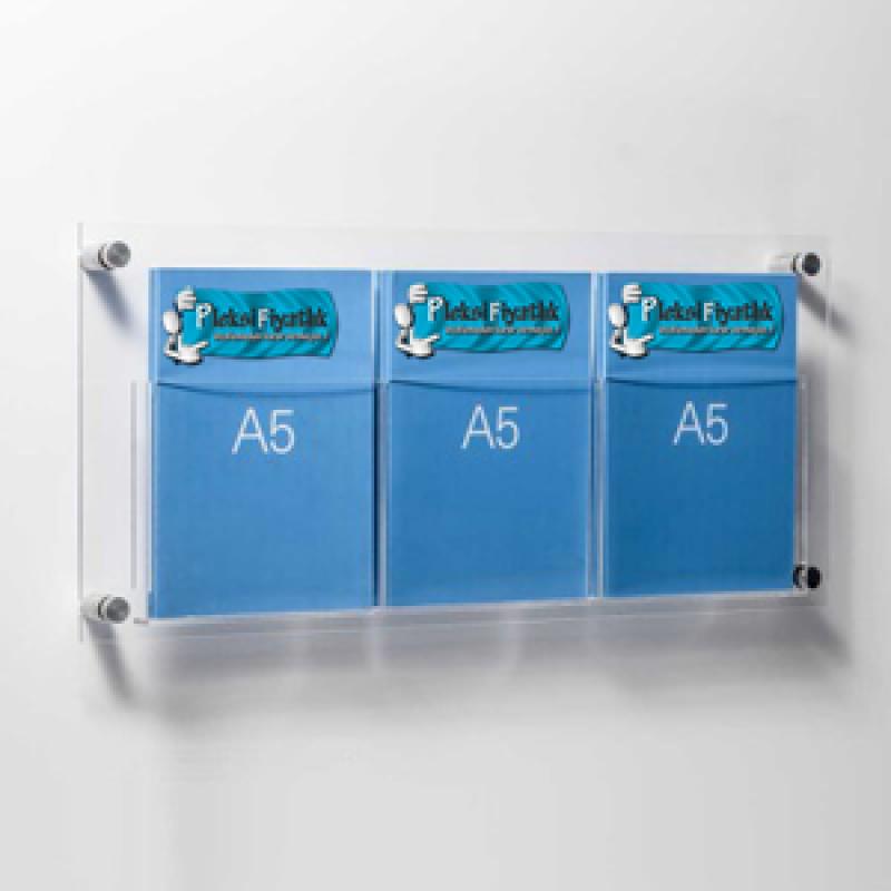 DBR 503 3xA5 Duvar montajlı tip pleksi broşürlük