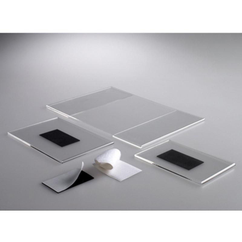FEMDC UM (9x7 cm ) dikey mıknatıslı pleksi föylük